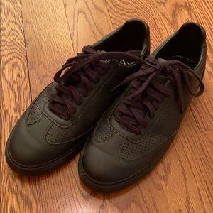 Men's black sneakers